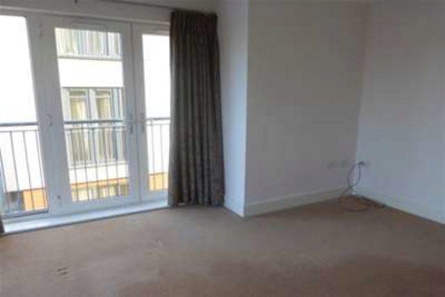 bedroom flat to rent