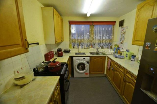 Napoleon Road Lower Clapton 3 bedroom Flat for sale E5