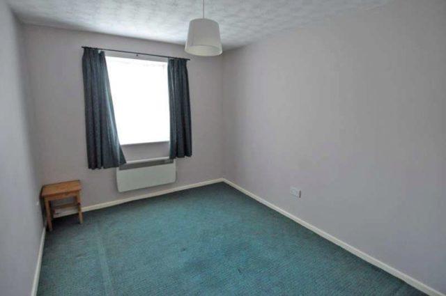 bedroom apartment to rent at baldwin road kings norton birmingham b30