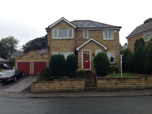 Ponyfield Close Huddersfield 4 Bedroom Detached For Sale Hd2
