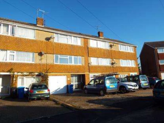 Room To Let In House Poole