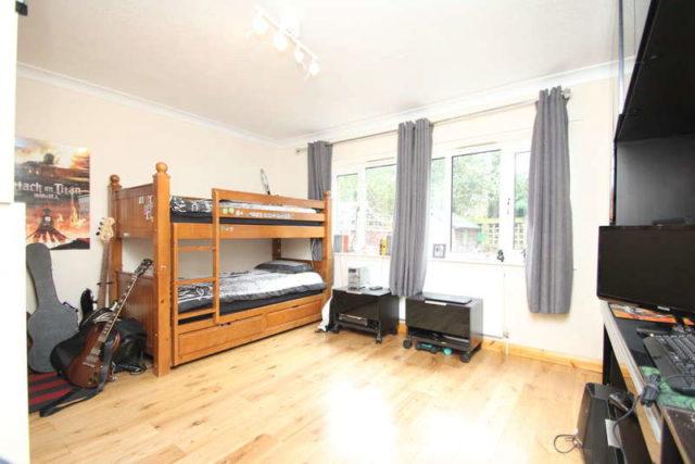 Upper Brighton Road Surbiton Property For Sale
