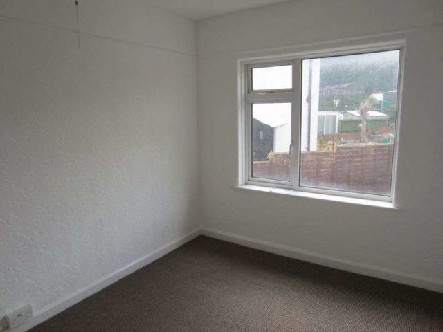 Bed House To Rent Ely Cardiff