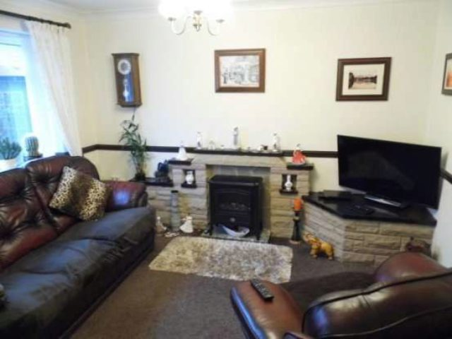 image of 2 bedroom terraced for sale in bishop auckland dl14 at front