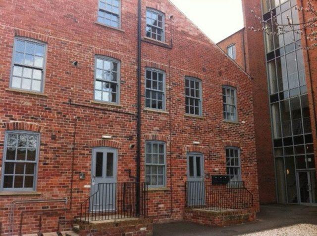 furnace hill sheffield 2 bedroom flat to rent s3. Black Bedroom Furniture Sets. Home Design Ideas