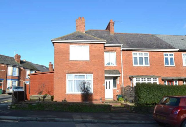 End of terrace for sale in exeter 3 bedrooms end of for Terrace exeter