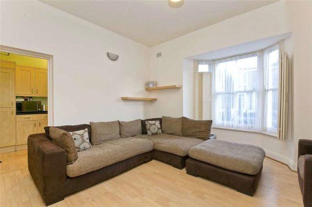 Middleton Road Hackney 3 bedroom Flat for sale E8