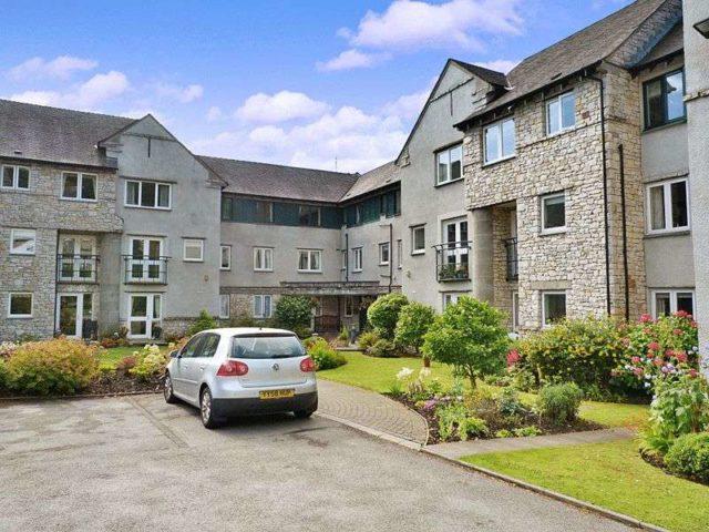 Commercial Property For Rent Grange Over Sands