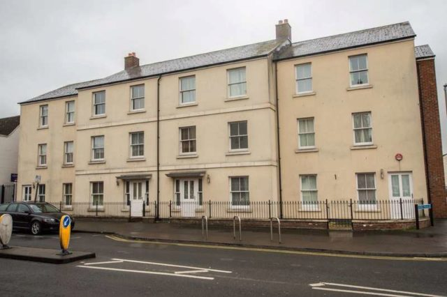 Oxford terrace gloucester 2 bedroom ground flat for sale gl1 for Oxford terrace 2