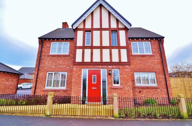 Sinderland Road Altrincham 4 bedroom Detached for sale WA14