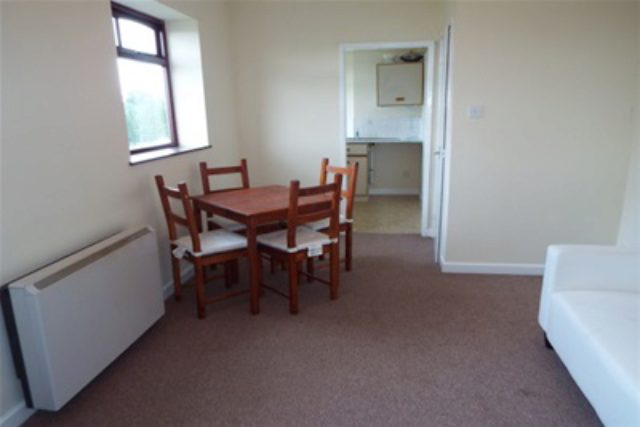 Flat To Rent 2 Bedrooms Flat B33 Property Estate Agents In Birming