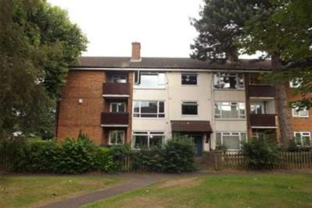 image of 3 bedroom flat to rent at birmingham b37 6bl