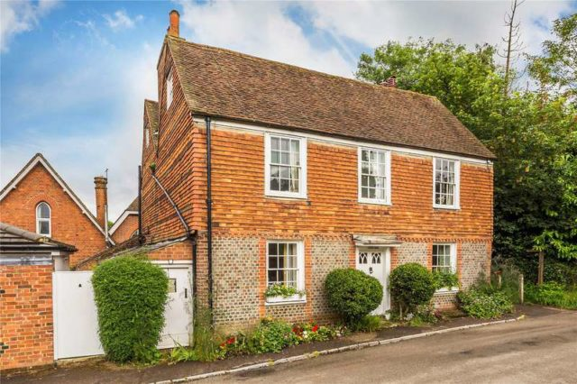 Detached for sale in Godstone - 6 bedrooms Detached dfd651b76