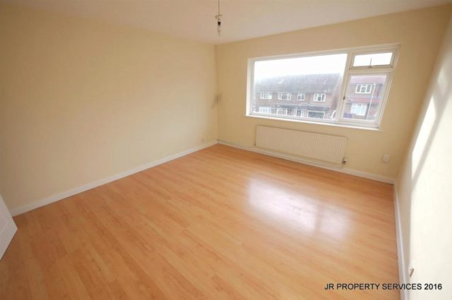 Bed Flat For Sale Hitchin
