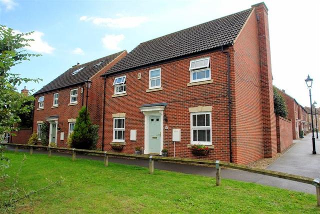 houses for sale in aylesbury 4 bedrooms houses hp19
