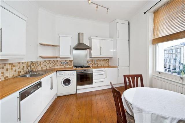 Image of 2 Bedroom Flat to rent at CROMWELL CRESCENT, KENSINGTON, SW5