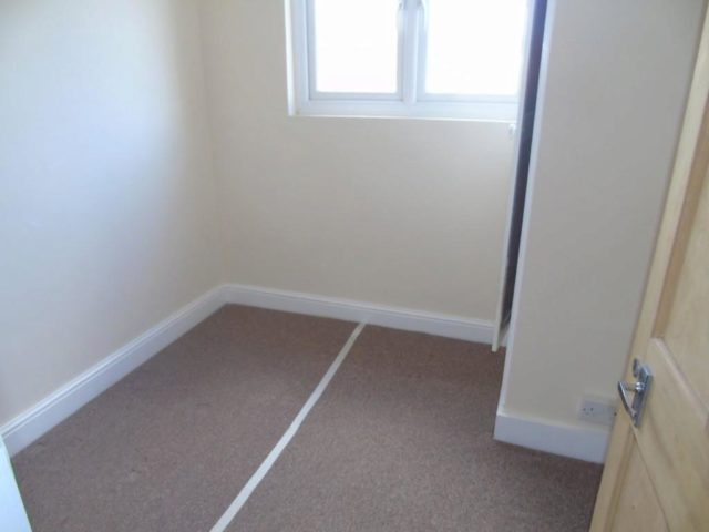 Image of 2 Bedroom Flat for sale at Mulgrave Road, East Croydon