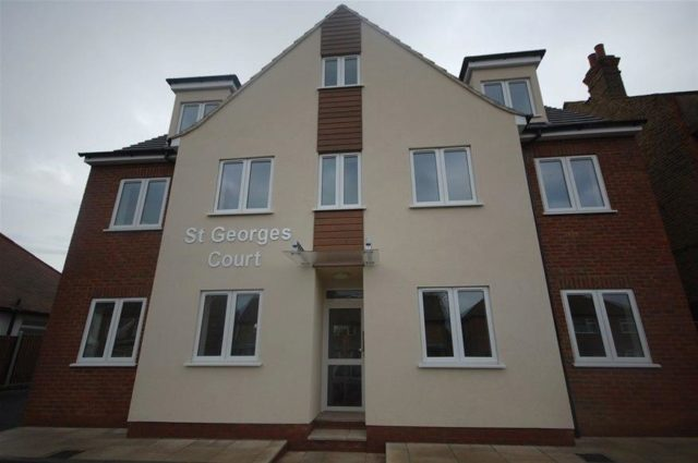 Image of 2 Bedroom Houses for sale in Westcliff-on-Sea, SS0 at Carlton Avenue, Westcliff-on-Sea, SS0