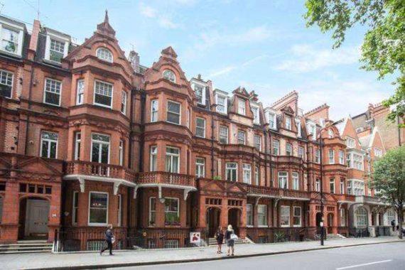 London  Sloane Square, SW1W 8B...