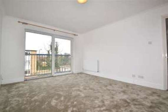 3 Bedroom End of Ter...