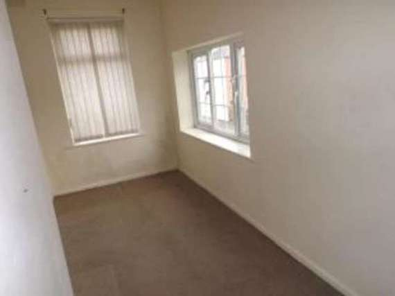 2 Bedroom End of Ter...