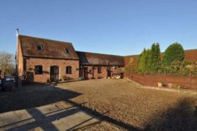 3 bedroom Barn Conversion to rent