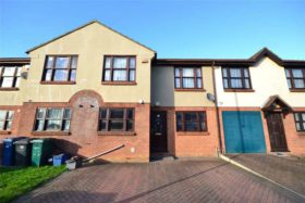 4 bedroom Terraced for sale