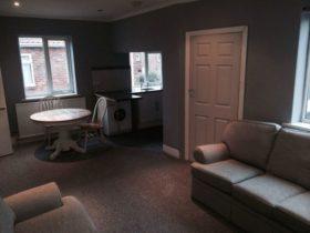 5 bedroom Flat for sale