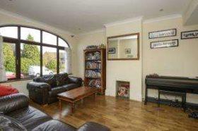6 bedroom Detached for sale