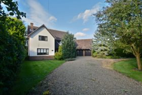 5 bedroom Detached for sale
