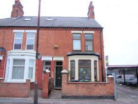 6 bedroom Semi-Detached for sale
