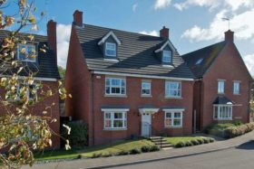 5 bedroom Detached to rent