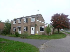 3 bedroom Semi-Detached to rent
