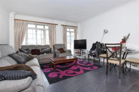 4 bedroom Flat for sale
