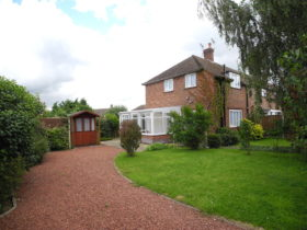 2 bedroom Semi-Detached to rent