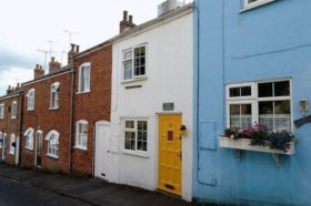 2 bedroom Cottage for sale