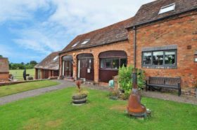 4 bedroom Barn Conversion to rent