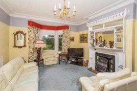 6 bedroom Semi-Detached for sale