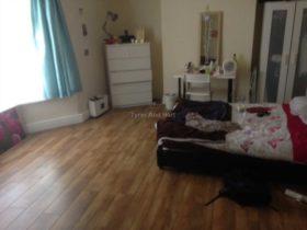 5 bedroom Terraced to rent