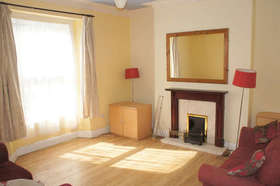 1 bedroom Ground Flat for sale