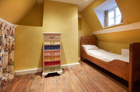 5 bedroom Cottage for sale