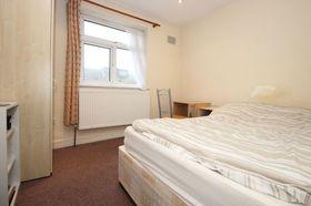 3 bedroom Flat to rent